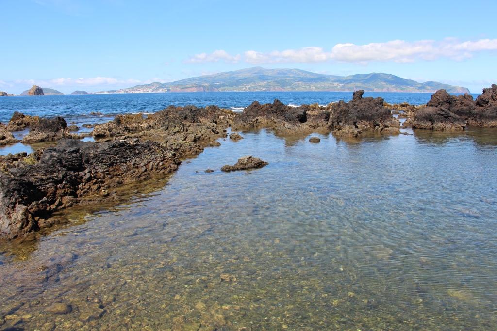 Praia da Barca e Faial ao fundo