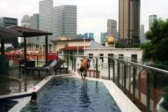 Rooftop pool em Kampong Glam